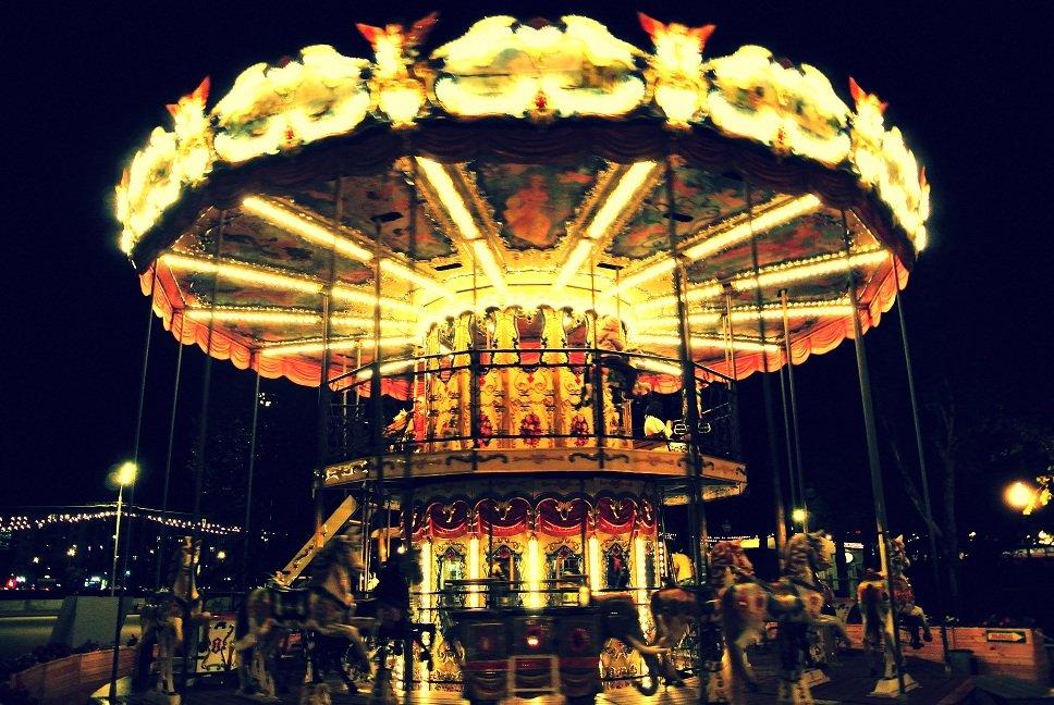 bez-trusov-na-karuseli